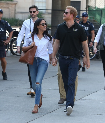 Prince Harry and Meghan Markle attend the Tennis together at the Invictus Games in Toronto, Canada. Pictured: Prince Harry and Meghan Markle Ref: SPL1586512 250917 Picture by: Splash News Splash News and Pictures Los Angeles:310-821-2666 New York:212-619-2666 London:870-934-2666 photodesk@splashnews.com